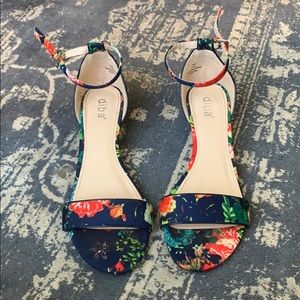 Diba 1.5 inch navy with floral heel